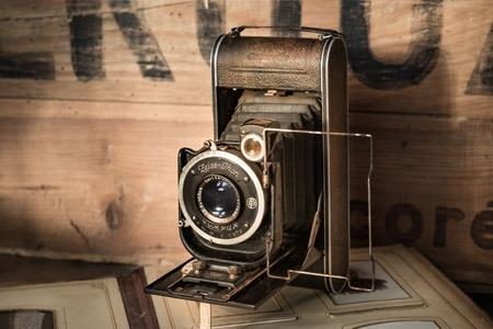 https://cashinaflashpawn.com/wp-content/uploads/antiques-image_450x300_acf_cropped.jpg