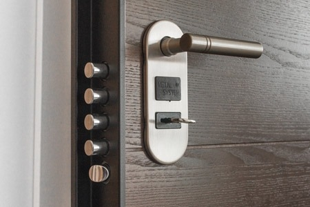 https://cashinaflashpawn.com/wp-content/uploads/home-security-lock_450x300_acf_cropped.jpg